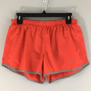 Nike Womens M Running Shorts With Liner Salmon